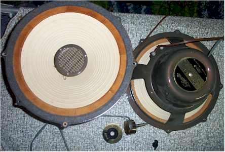 Layfayette SR 58 Speakers