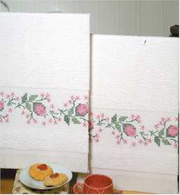 Rose Fantasy Terry Accent Towels